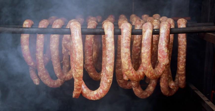 Tørking og røyking av pølser